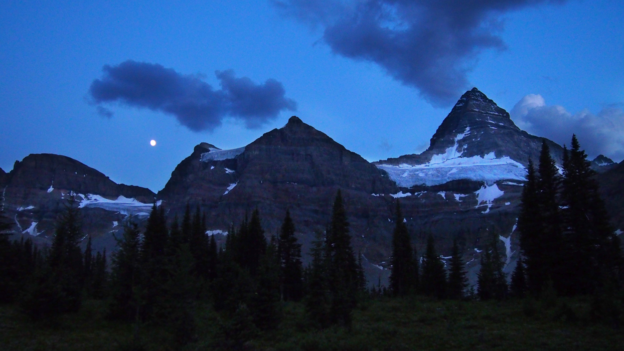 Mount Assiniboine yö