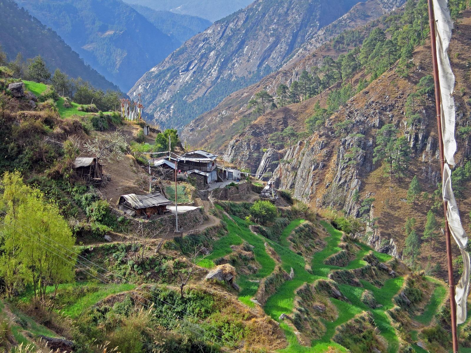 Ling Ling -kylä sijaitsee Tamang Heritage Trail -vaellusreitin varrella.
