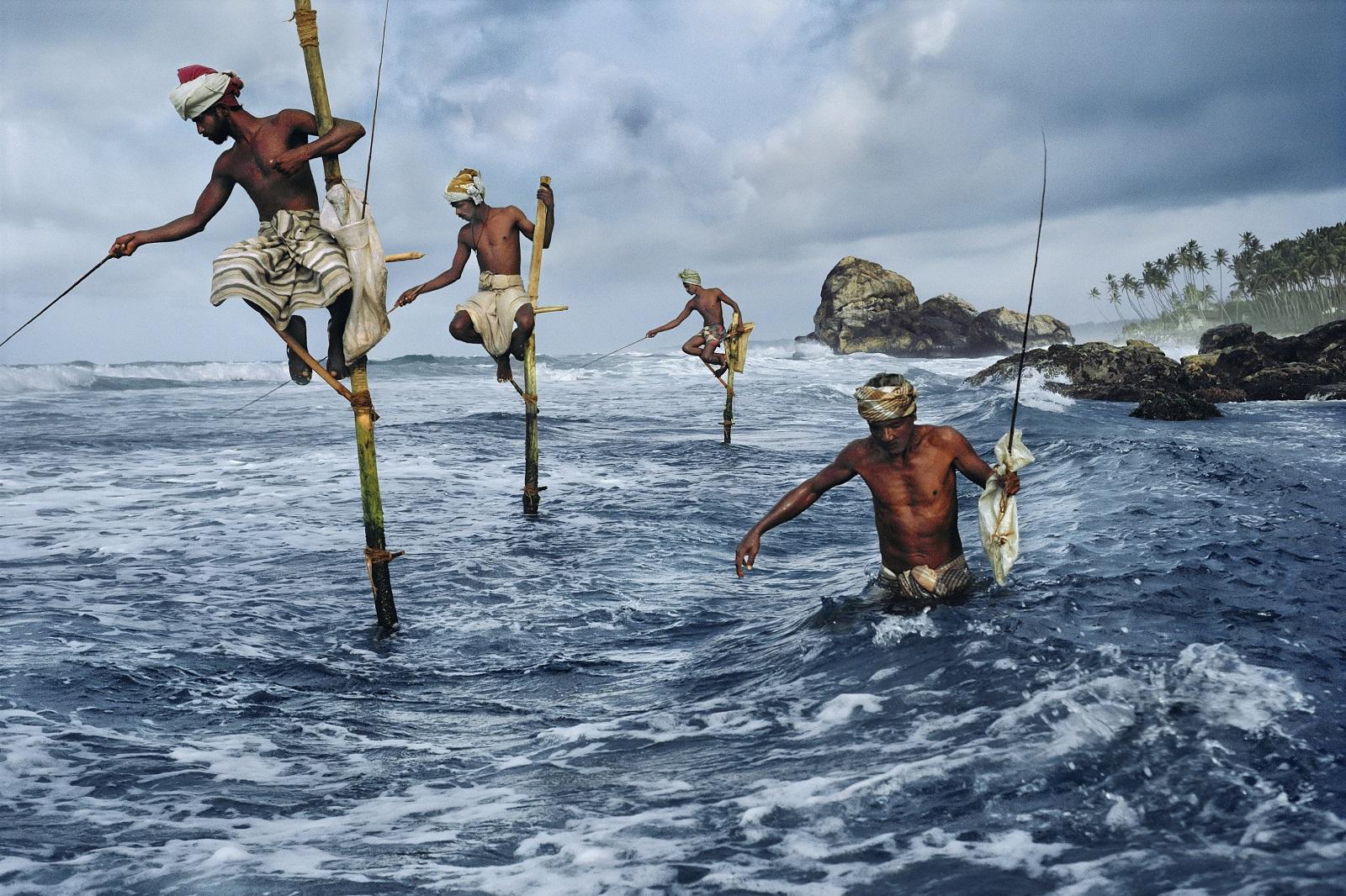 Kalastajia Sri Lankassa 1995. Kuva: Steve McCurry.