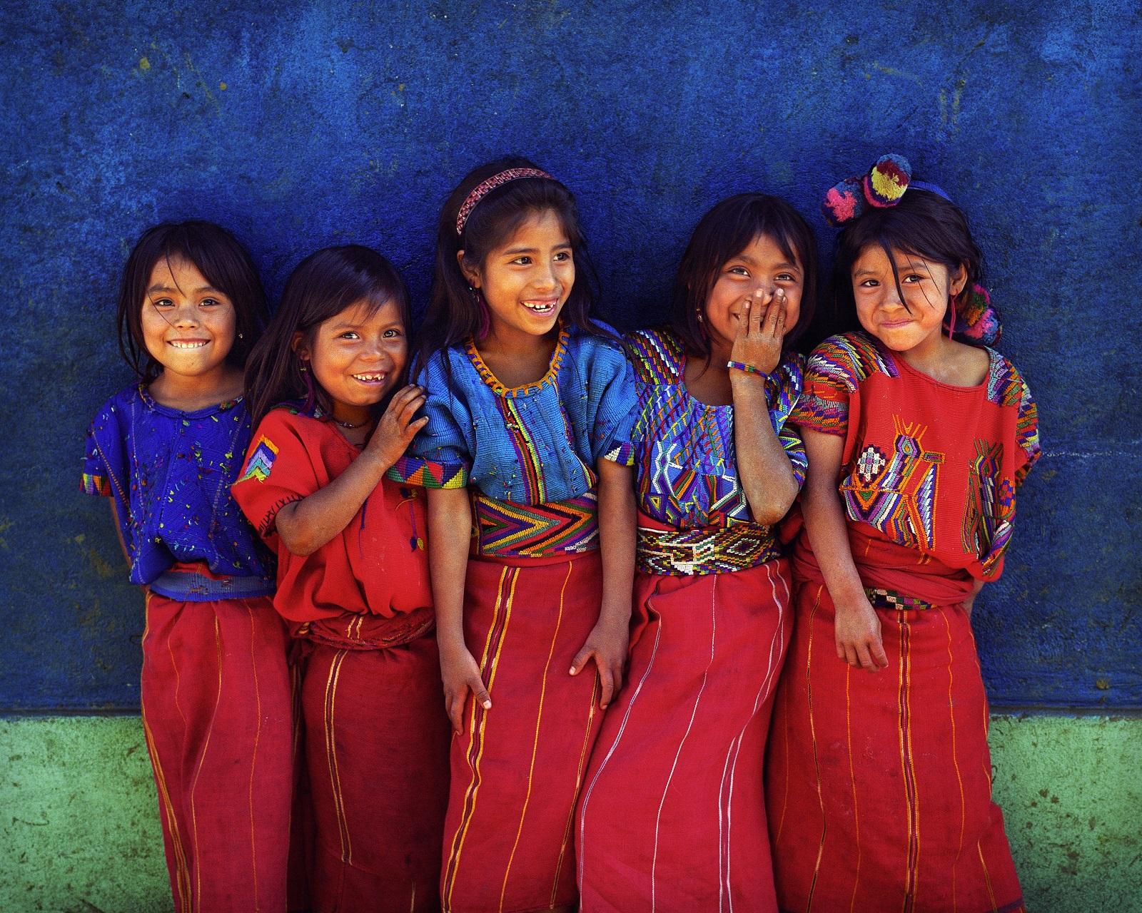 Viisi tyttöä Chajulista.