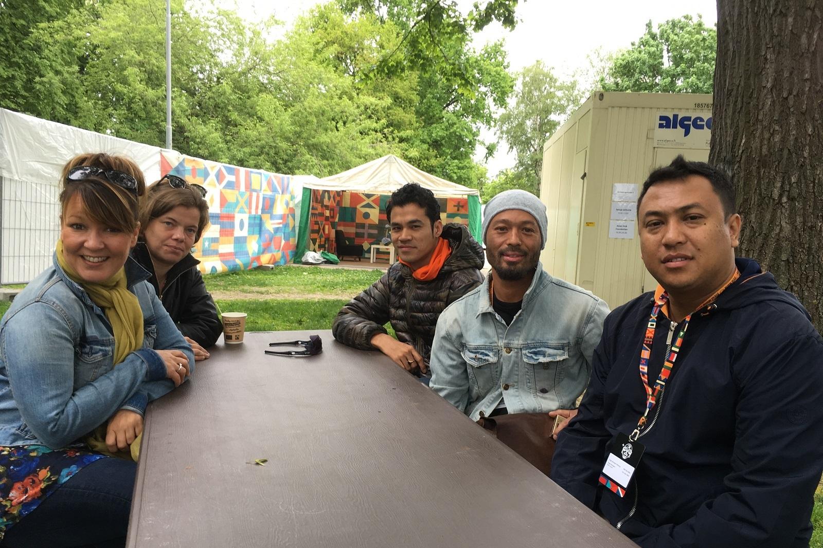 Groovia apua Nepaliin. Vilma Timonen, Sylvie Casiulis ja Kanta dAb dAb.