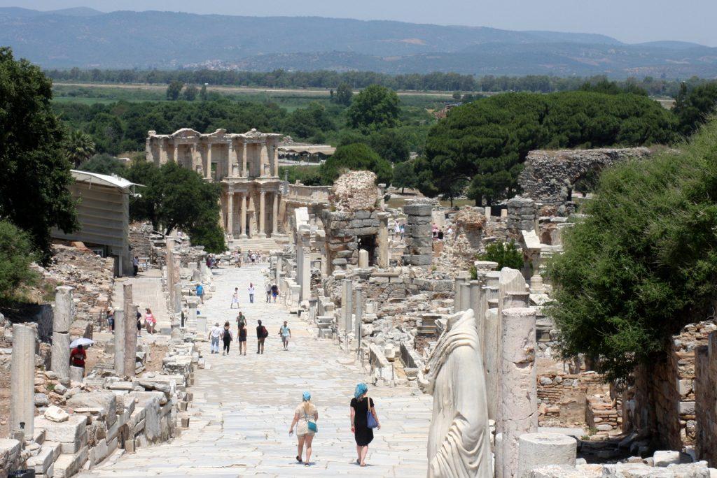 Hämmästyttävä Efesos on Turkin tunnetuin arkeologinen kohde.