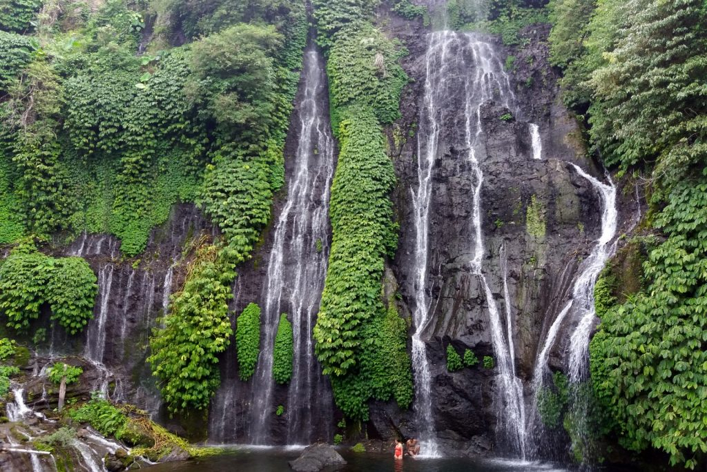 Balin nähtävyydet - Banyumala Twin Waterfalls
