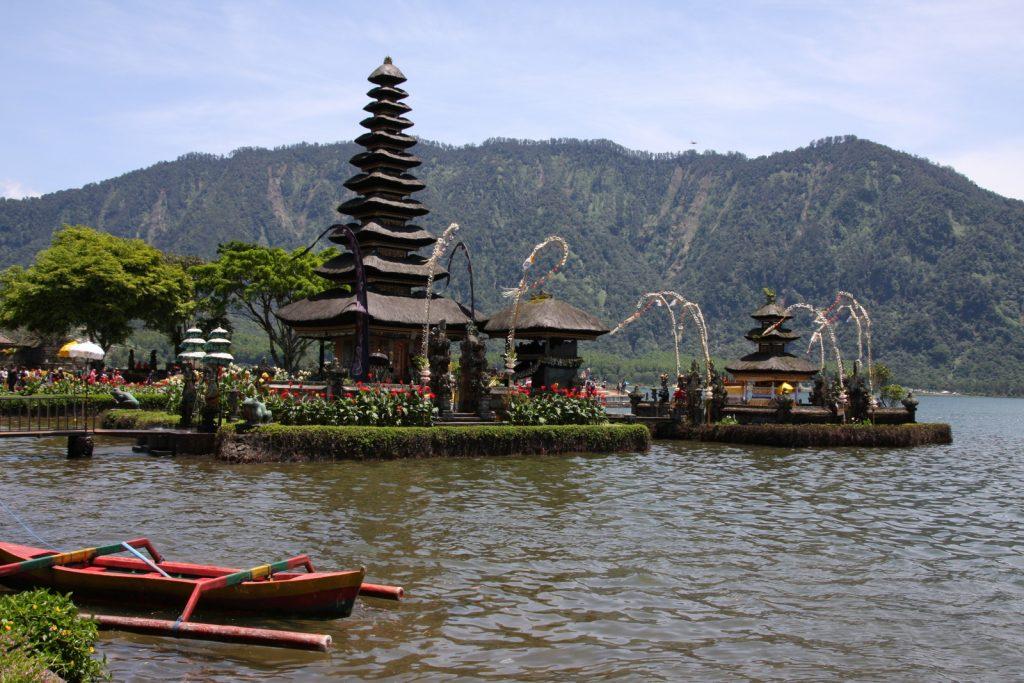 Balin nähtävyydet - Pura Ulun Danu Bratan