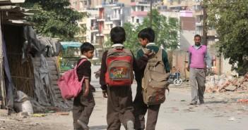 intialaisia koululaisia