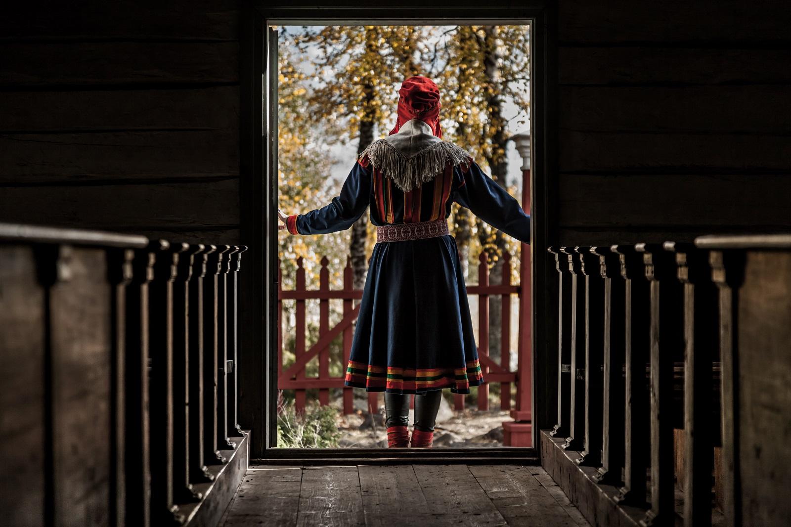 Saamenpuku. Pielpajärven kirkko. © Paadar Image/Lapin materiaalipankki.