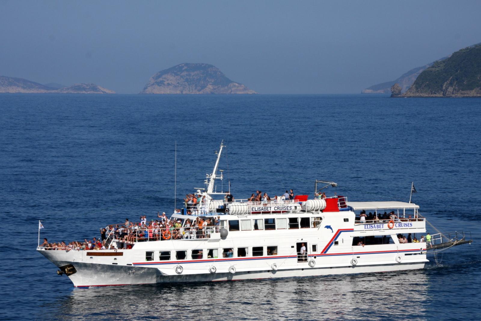 Agios Ioannis -kappeli on jokaisen Mamma Mia -matkailijan pyhiinvaelluskohde.