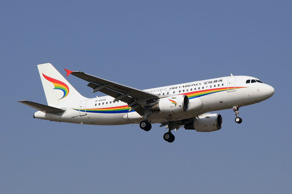 Tibet Airlines. © Wikimedia Commons / byeangel