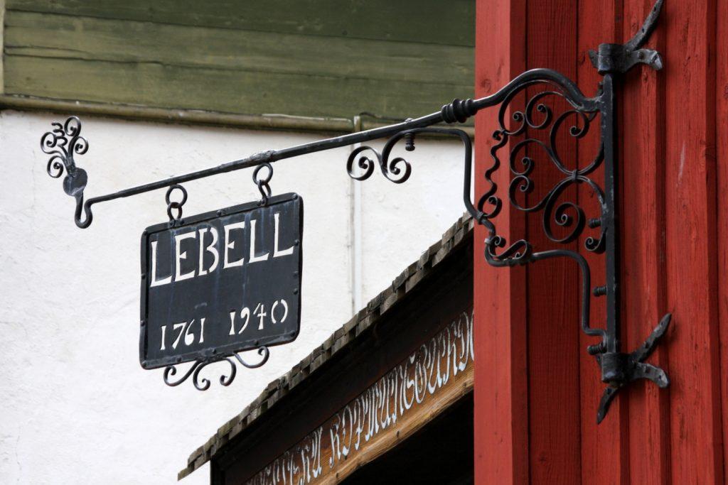 Lebellin kauppiaantalon kyltti, Kristiinankaupunki